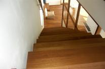 Massivholz Treppe